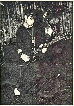 Social Distortion 1984 - Mike Ness on lead guitar (in foreground) & Bob Stubbs (in background) on Drums performing live at The Music Machine nightclub in west Hollywood,California May of 1984.     http://viettelidc.com.vn