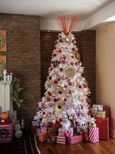 Christmas Tree Decorating Ideas   Interior Design Styles and Color Schemes for Home Decorating   HGTV