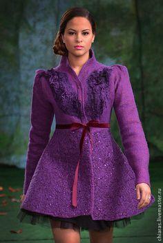 авторское пальто ручной работы из шерсти и шелка`Purple`. яркое и единственное в своем роде! хорошее приобретение как для весны этого сезонна, так и для последующих. уверена, что из моды этот силует еще долго не выйдет!  пальто без швов, не продувается. очень легкое и теплое.