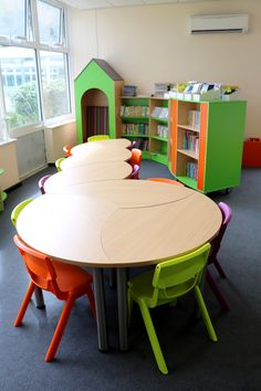 A School Library created by Incube Ltd for East Park Academy Classroom Furniture, Library Furniture, School Furniture, Classroom Decor, Old School Desks, Sunday School Rooms, School Tables, Kindergarten Interior, Kindergarten Projects