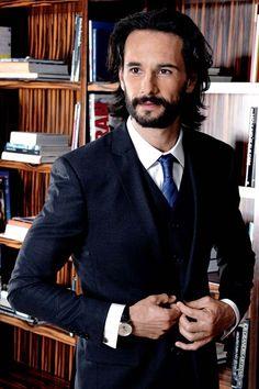 BEM-VINDO AO E.S.P FASHION BLOG BRASIL: Os 25 homens mais elegantes do Brasil e os perfume...