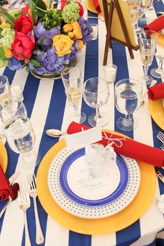 Fun summertime tablescape  www.tablescapesbydesign.com https://www.facebook.com/pages/Tablescapes-By-Design/129811416695