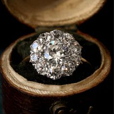 Gorgeous antique engagement rings at Erie Basin.
