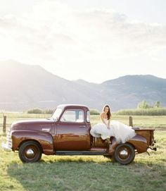 this is so freaking adorable! cowboy wedding :)