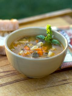 Soups and stews make great warming meals during the chilly winter months. Try these simple recipes for delicious dishes made with fresh, seasonal ingredients. Source by mudnmaps Italian Soup Recipes, Sicilian Recipes, Healthy Eating Recipes, Real Food Recipes, Yummy Food, Simple Recipes, Healthy Food, Escarole Soup, Recipe Minestrone