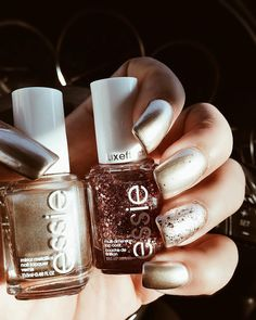 """1,391 Likes, 54 Comments - Natasha Recasas (@angeliqgoddess) on Instagram: """"Created these fun holiday nails using @essiepolish luxe effects 💅🏽"""""""