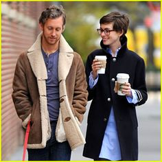 Anne Hathaway is too cute with her pixie haircut and plastic glasses!