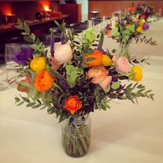 Classic JamJar table flowers for a private dinner @bluebirdchelsea #ranunculus #jamjarevent
