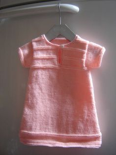 Surprise baby gifts # 9 O vestido – My Little Chick – Quarto Bebe Knitting For Kids, Baby Knitting, Crochet Baby, Knit Crochet, Sewing Online, Baby Girl Cardigans, Knitted Baby Cardigan, Knitted Slippers, Baby Dress