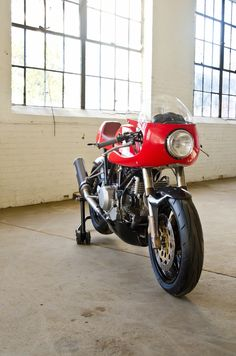 The Ducati Leggero series of limited production motorcycles by Walt Siegl have earned themselves a place of reverence in the lexicon of the world's Ducatistas – Walt is an engineer's engineer and his custom motorcycles are hotly anticipated by everyone who's familiar with his work. These two Ducatis are his newest creations and Walt has...