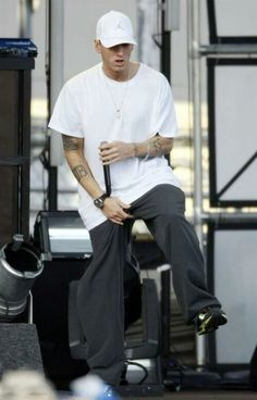 """Eminem makes me wanna hop into them pants and """"just lose it"""" boy you know you're my world. Eminem Songs, Eminem Rap, Eminem Style, Marshall Eminem, The Eminem Show, Eminem Photos, The Real Slim Shady, Eminem Slim Shady, Yelawolf"""