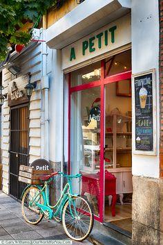 A Petit, Santander, Spain Best Coffee Shop, Coffee Shops, Europe Travel Tips, Spain Travel, Bilbao, Santander Spain, Entrance Decor, Coffee Shop Design, Paris Cafe