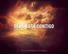 Deus não te esqueceu, sempre esteve do teu lado. Não há tristeza que seja eterna, a alegria sempre vem ao amanhecer.