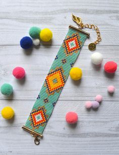 Bohemian Miyuki flexible Cuff Bracelet Bracelet manchette souple Miyuki bohème - My Accessories World Bead Loom Designs, Bead Loom Patterns, Bracelet Patterns, Beading Patterns, Miyuki Beads, Bead Loom Bracelets, Bead Weaving, Tapestry Weaving, Loom Beading