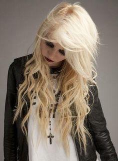 Taylor Momsen love her Taylor Michel Momsen, Taylor Swift, Taylor Monsen, Jenny Humphrey, Lzzy Hale, Attractive Eyes, Star Photography, Grunge Hair, Aesthetic Fashion