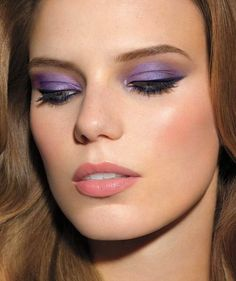 How to do a colorful smoky eye.