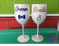 Taças grandes brancas personalizadas para noivos com Bride, Groom e simbolos