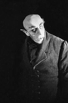 Max Schreck, Nosferatu A silent film about Dracula Horror Vintage, Retro Horror, Horror Icons, Horror Art, Max Schreck, Horror Monsters, Scary Monsters, Famous Monsters, Scary Movies