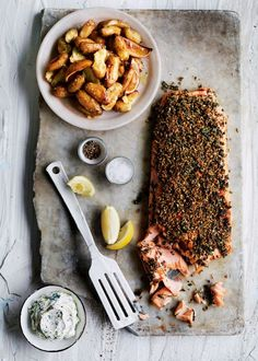 Oven salmon trout with spicy crust and lemon potatoes- Ofenlachsforelle mit Würzkruste und Zitronenkartoffeln Our favorite recipe for oven salmon trout with … - Fish Recipes, Seafood Recipes, Gourmet Recipes, Cooking Recipes, Healthy Recipes, Cooking Tips, I Love Food, Good Food, Yummy Food