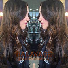 Base castaña o negra ??  Este hermoso #balayage Brunette es ideal en este tipo de base, ya que causa dimensión, movimiento, luminosidad y es muy sutil  Y su mantenimiento es lo mejor, ya que por ser una técnica sin marcas  el tiempo de retoque es mas largo  Etiqueta a tus amigas las de cabello oscuro y comenta  #eduardostyle#hairstylist#balayage#venezolanosenbogota#moda#belleza#colombiamoda#balayagebogota#cabellos#balayage#mix#color##woman#balayagebogota#estilistabogota#es...