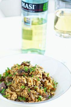 The Life of a Vegan Mushroom Risotto, Grains, Vegan Recipes, Stuffed Mushrooms, Rice, Ethnic Recipes, Food, Stuff Mushrooms, Vegane Rezepte