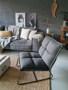 Living room seating area gray couch chair concrete reinforcement - Different Ideas Home Living, My Living Room, Interior Design Living Room, Living Room Decor, Diy Bed Frame, Living Room Seating, Home And Deco, Living Room Inspiration, Modern Decor