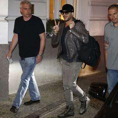 Uma semana antes do Rock in Rio, o Queen e Adam Lambert já estão no Brasil! - Estrelando