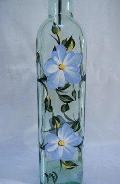 Oil bottle, glass oil bottle, oil decanter with blue flowers Painted Glass Bottles, Glass Bottle Crafts, Wine Bottle Art, Lighted Wine Bottles, Diy Bottle, Painted Wine Glasses, Bottle Lights, Glass Painting Designs, Bottle Painting