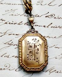 Antique and Designer Necklaces 14 Karat Gold Chain, Letters From Home, Gold Cross, French Country Decorating, Lockets, Luxury Gifts, Necklace Designs, French Antiques, Antique Gold