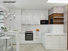 Дизайн квартиры для холостяка, белая кухня с барной стойкой