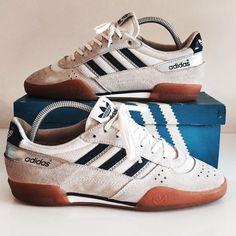 1989 Squash Made in Taiwan. Vintage Sneakers, Retro Shoes, Adidas Vintage, Adidas Og, Adidas Sneakers, Basket Tennis, Samba Shoes, Adidas Spezial, Baskets