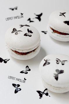 L'effet papillon... Petits macarons, grande addiction ! http://www.quiavolelestartes.com/leffet-papillon-recette-macarons/