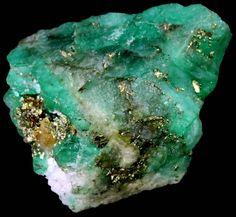 Minerals And Gemstones, Crystals Minerals, Rocks And Minerals, Crystals And Gemstones, Stones And Crystals, Types Of Crystals, Natural Crystals, Cool Rocks, Crystal Magic