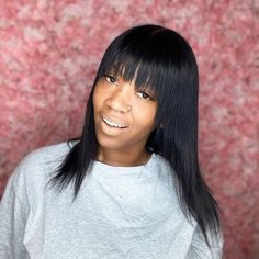 One of the classy hairstyles for black women that's worth stealing! Medium hairstyles with bangs like this are best if black and sleek. Ends are textured to add details and avoid a blunt finish. We have a collection of the best medium hairstyles with bangs for all women. Take a look at it by visiting our board and website. Medium Weave Hairstyles, Hairstyles With Bangs, Classy Hairstyles, Black Women Hairstyles, Shoulder Length Cuts, Bangs With Medium Hair, Makeup Tips, Beauty Hacks