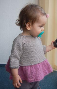 Ravelry: frogginette's Tutu Tunic The Second - Test-Knit now open clothing patterns Baby Sweater Knitting Pattern, Knit Baby Sweaters, Baby Knitting Patterns, Knitting Designs, Kids Vest, Pull Bebe, Big Knits, Baby Vest, Tutu