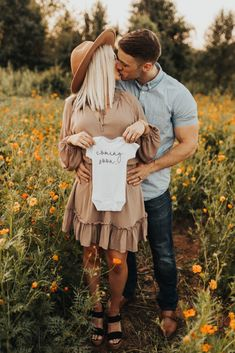 - Pregnancy Announcement - Pregnancy Announcement We're having a baby! Baby announcement p. Pregnancy Announcement Pictures, Cute Baby Announcements, Maternity Pictures, Cute Pregnancy Pictures, Were Pregnant Announcement, Pregnancy Photo Shoot, Second Child Announcement, Pregnancy Announcement Photography, Christmas Baby Announcement