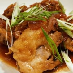 This is an easy version of the classic Filipino dish. This adobo is a little tangy with a salty mix of soy sauce, garlic, and spices that combine to create a delicious stew. Vegetable Recipes, Meat Recipes, Indian Food Recipes, Asian Recipes, Chicken Recipes, Cooking Recipes, Healthy Recipes, Best Instant Pot Recipe, Instant Pot Dinner Recipes