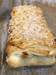 Recipe Puff pastry with chocolate Baguette, Cake Recipes, Dessert Recipes, Thermomix Desserts, Happy Foods, Eat Dessert First, Chocolate Desserts, Chocolate Cake, No Cook Meals