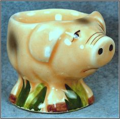 little piggy egg cup This Little Piggy, Little Pigs, Vintage Egg Cups, Egg Coddler, Chicken Crafts, Pig Art, Incredible Edibles, Flying Pig, Vintage Cookies