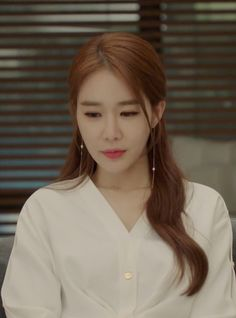 Let's take a look at Yoo In-na's white dress as seen on her in episode 13 of Korean drama 'Touch Your Heart'. Korean Actresses, Asian Actors, Korean Actors, Yoo In Na Fashion, Kpop Fashion, Korean Celebrities, Celebs, Heart Hair, Korean Star