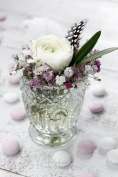 Home & Inspiration: Gypsophila love Small Bouquet, Floral Bouquets, Cut Flowers, Beautiful Flowers, Vase Transparent, Vases, Gypsophila, All Things Purple, Flower Market