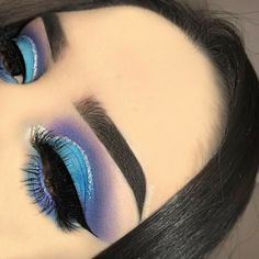teal blue and purple cut crease eyeshadow look with silver eyeliner blaugrüner Lidschatten-Lidschatten-Look mit violettem Schnitt und silbernem Eyeliner Makeup Eye Looks, Eye Makeup Art, Beautiful Eye Makeup, Colorful Eye Makeup, Glam Makeup, Pretty Makeup, Skin Makeup, Makeup Inspo, Eyeshadow Makeup