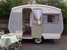 Vintage-1964-Sprite-400-caravan-retro-classic-restored-upto-4-berth