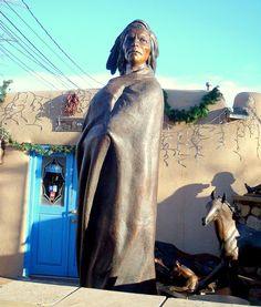 Bronze Sculpture, Canyon Road, Santa Fe, NM. New Mexico Style, Taos New Mexico, Outdoor Sculpture, Garden Sculpture, Southwestern College, Nova, Vacation Photo, Santa Fe Nm, Santa Fe Style