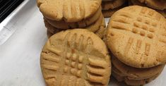 This crowd-pleasing recipe features crunchy peanut butter and is quick and easy to prepare. Classic Peanut Butter Cookies, Peanut Butter Cookie Recipe, Salted Butter, Just Desserts, Delicious Desserts, Yummy Food, Health Desserts, Baking Recipes, Cookie Recipes