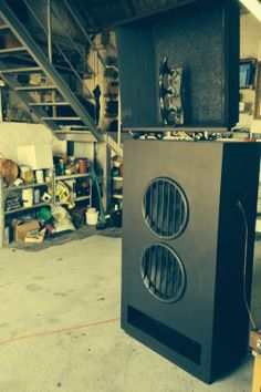 Tesla AKR 303 , vintage , 1961. Alnico, all mint, renovated, working perfectly. Very rare loudspeaker from the komunist times. In the same liga like Klangfilm and VOT.  Sell for 3000 usD. Ship everywhere