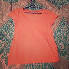 Light orange t shirt Super soft tee Banana Republic Tops Tees - Short Sleeve
