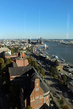 Hotel Empire Riverside - View on Hamburg