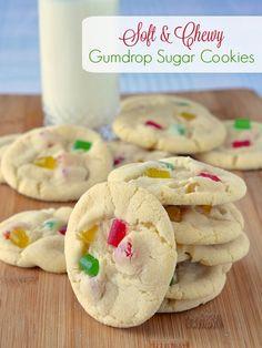 Soft Chewy Gumdrop Sugar Cookies - sure to be a party fave! Soft Chewy Gumdrop Sugar Cookies - sure to be popular with kids, this cookie favourite gets a new update with the addition of brightly coloured gumdrops. Rock Recipes, Fudge Recipes, Baking Recipes, Cookie Recipes, Dessert Recipes, Desserts, Baking Ideas, Drop Cookies, Xmas Cookies