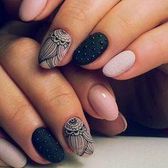 Manucure moderne, modele d ongle en gel, ongle gel, couleur ongle original, tendance vernis 2018 Dark Color Nails, Matte Black Nails, Black Nail Art, Nail Colors, Fancy Nails, Trendy Nails, Hair And Nails, My Nails, Floral Nail Art